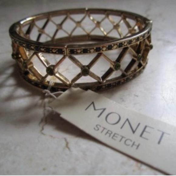 NWT MONET Green Rhinestones Stretch Bracelet